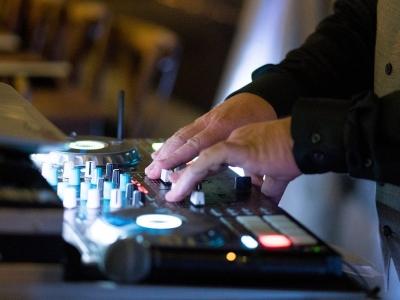 RIPTIDE ENTERTAINMENT - VOTED BEST DJ 2020 & 2019